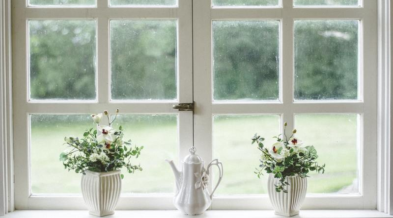 Комплект от инструменти за почистване на прозорци